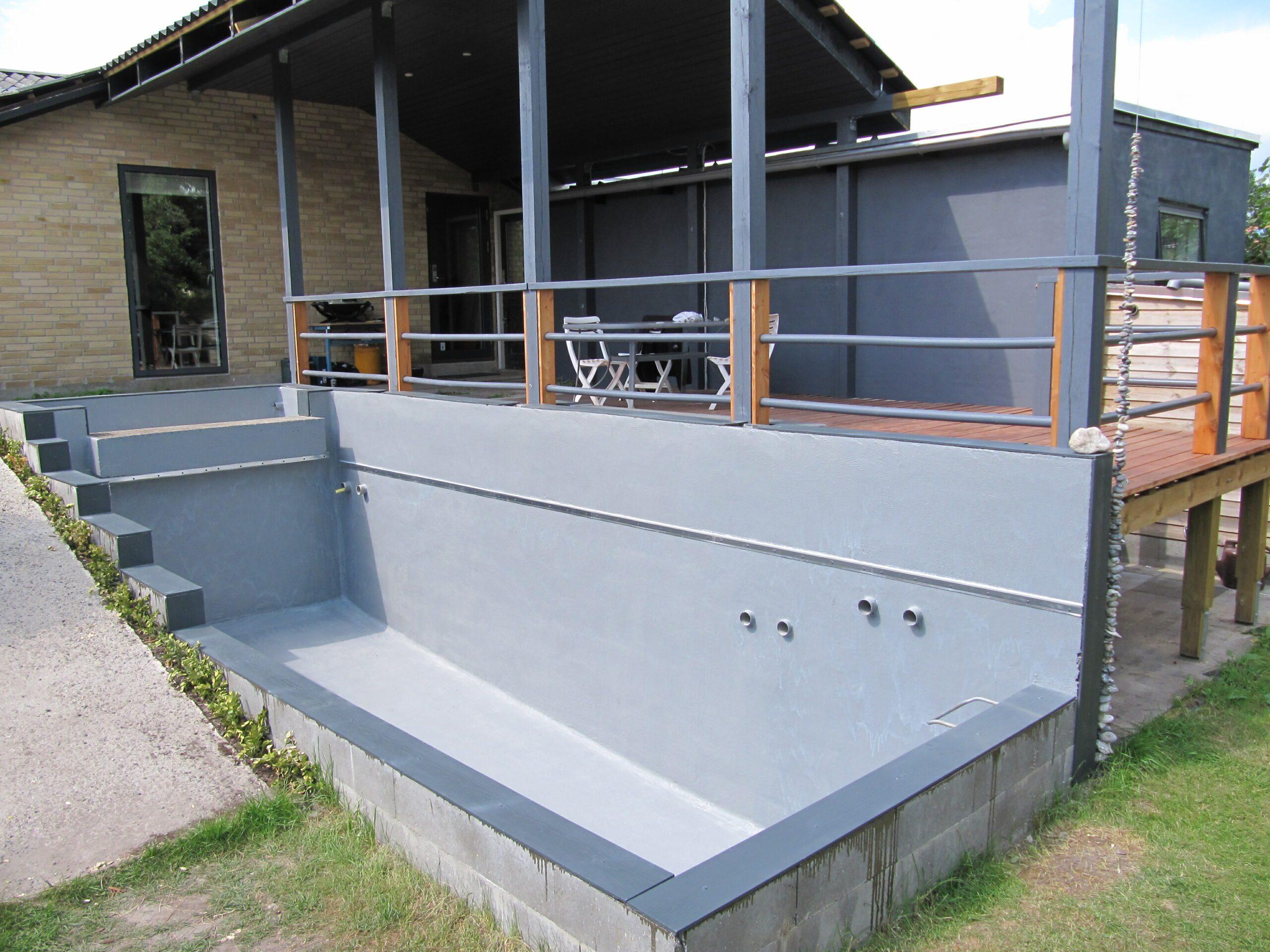 Epoxy brugt til forsejling af bassin